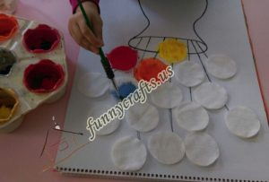 cotton-pads-flower-art-idea-step-4