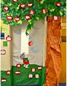the-giving-tree-door-decorations-3