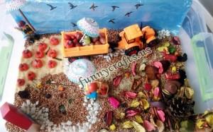 autumn_sensory_table