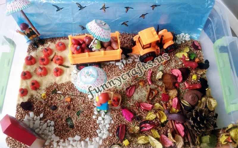 autumn_sensory_table