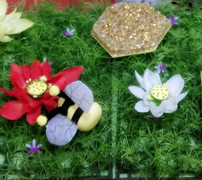 bee_sensory_table