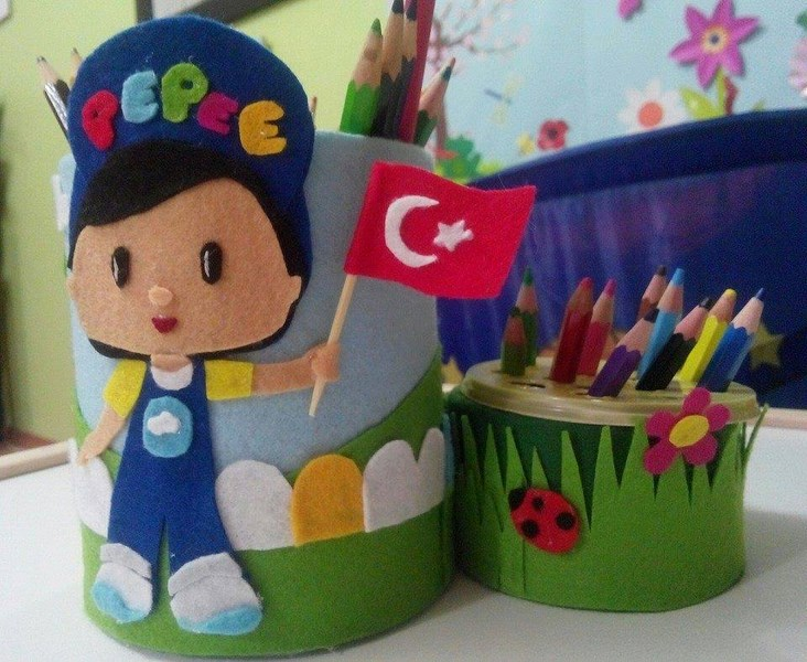 how_to_make_a_can_pepee_pencil_holder