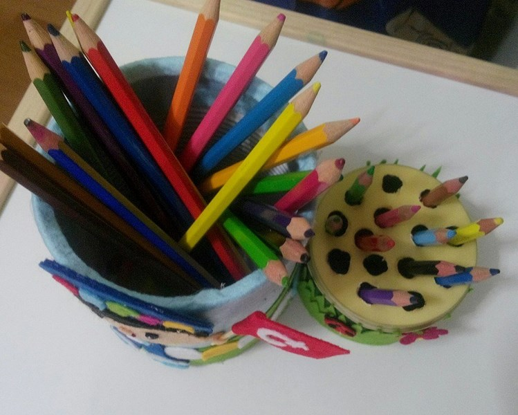 pencil_holder_made_from_recycled_cans