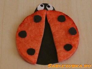 cotton_pad_ladybug_craft