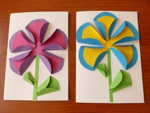 circle paper colored flowers