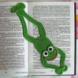 hand knitted bookmark crafts (14)