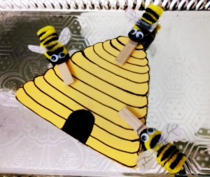lothespin bee theme