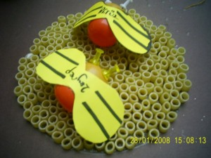 pasta bee craft