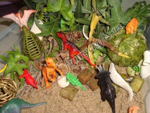 dinosaur sensory bin and sensory play ıdeas for kids