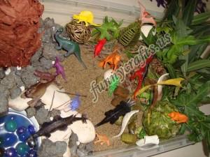 dinosaur sensory play for kids (1)