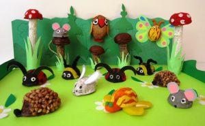 Walnut shell crafts (2)