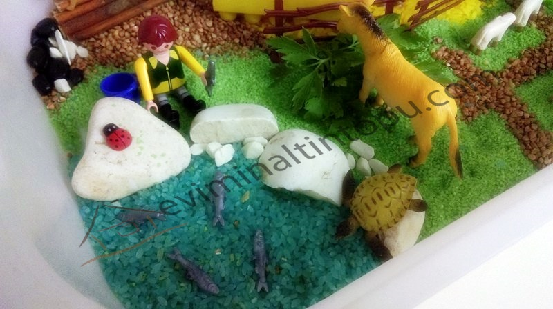 farm animals counting and sorting sensory bin for kids