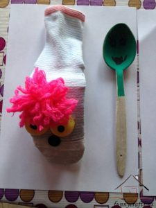 wooden spoon puppets (3)