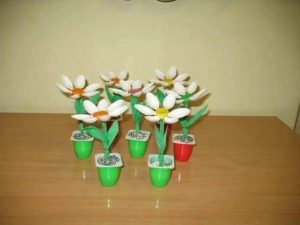 yogurt cup flower craft ideas