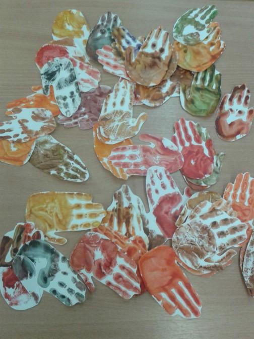 autumn-handprint-tree-crafts-5