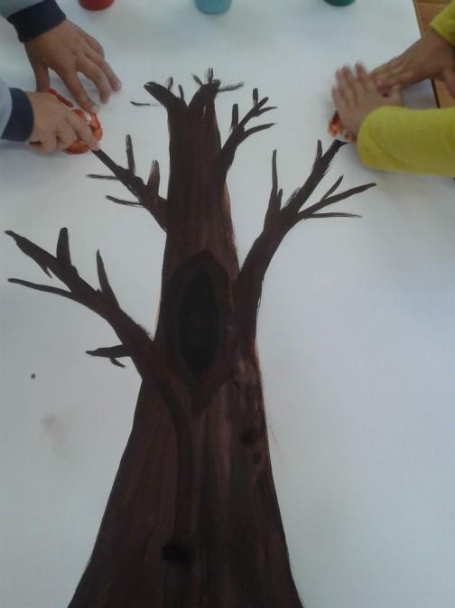 autumn-handprint-tree-crafts-7