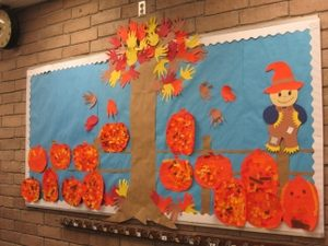 halloween-bulletin-board-ideas-from-recycled-materials-2