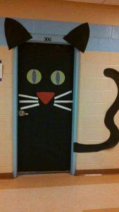 halloween-door-decorations-with-cat