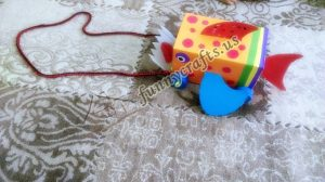 homemade-cardboard-box-fish-craft-23