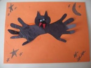 making-bat-crafts-for-halloween-2