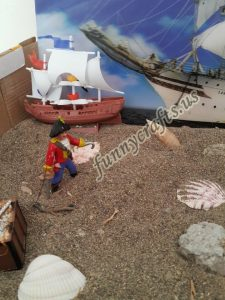 pirate-sensory-bin-and-small-world-play