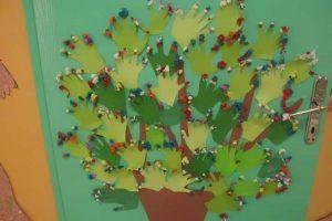tree-bulletin-board-ideas-1