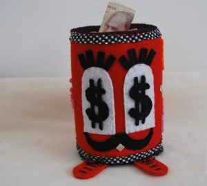 felt-moneybox-craft-2