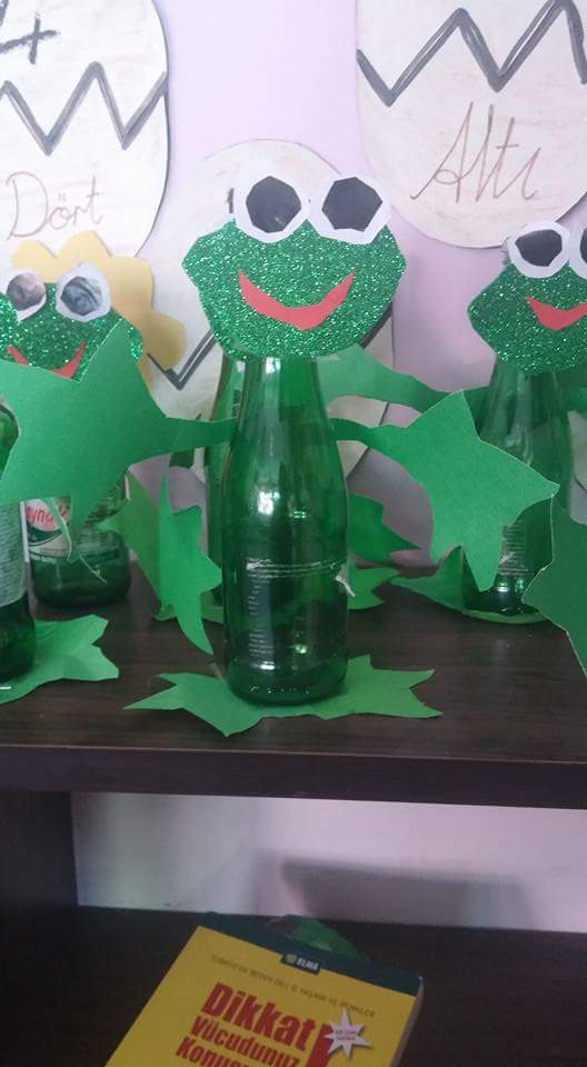 glass-bottle-frog-craft