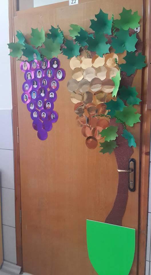 grape-door-decoration