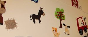 hallway-decorations-for-preschool-3
