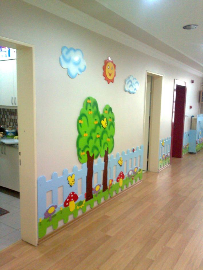 Preschool hallway decorations 6 funnycrafts for Decoration 6