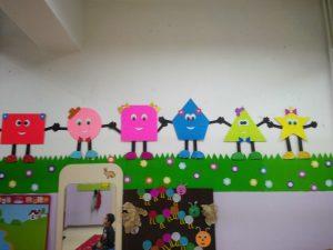 preschool-shapes-bulletin-board-ideas-for-kids-3