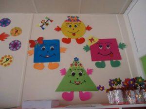 shapes-bulletin-board-ideas-1