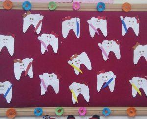 teeth-bulletin-board-idea-4