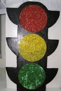 art-project-traffic-light-craft-1