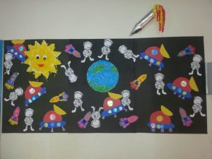 astronaut-bulletin-board-ideas-for-kids-preschool-3