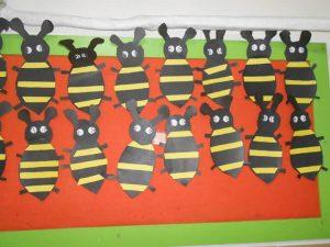 bee-bulletin-board-ideas-1