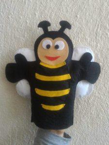bee-puppet-show-craft