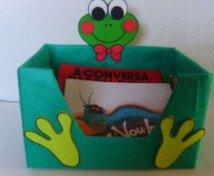 frog-themed-book-box