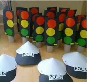 how-to-make-a-traffic-light-out-of-cardboard-4