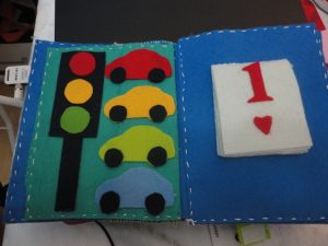 how-to-make-traffic-signal-model-for-kids-2