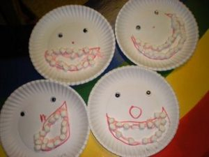 plastic-plate-teeth-craft