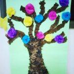 Crepe paper craft idea for preschoolers