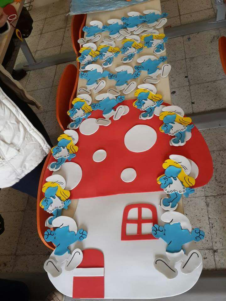 smurfs door decoration idea Preschool