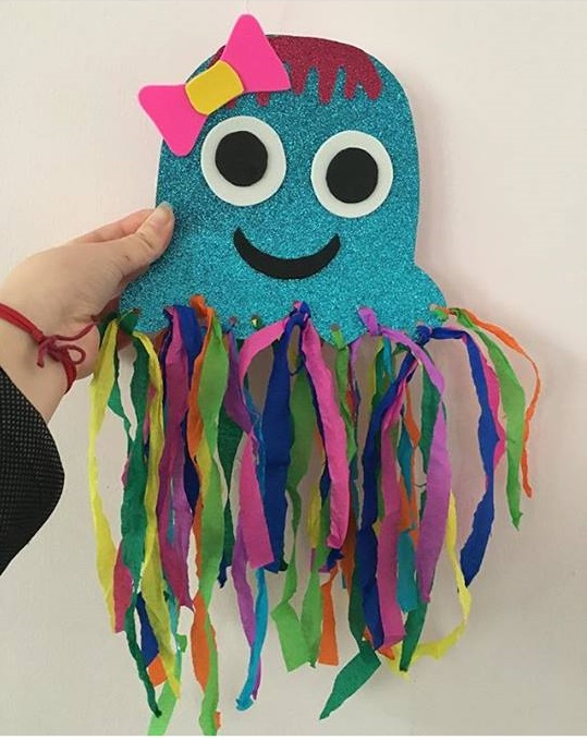crepe paper jellyfish craft 1